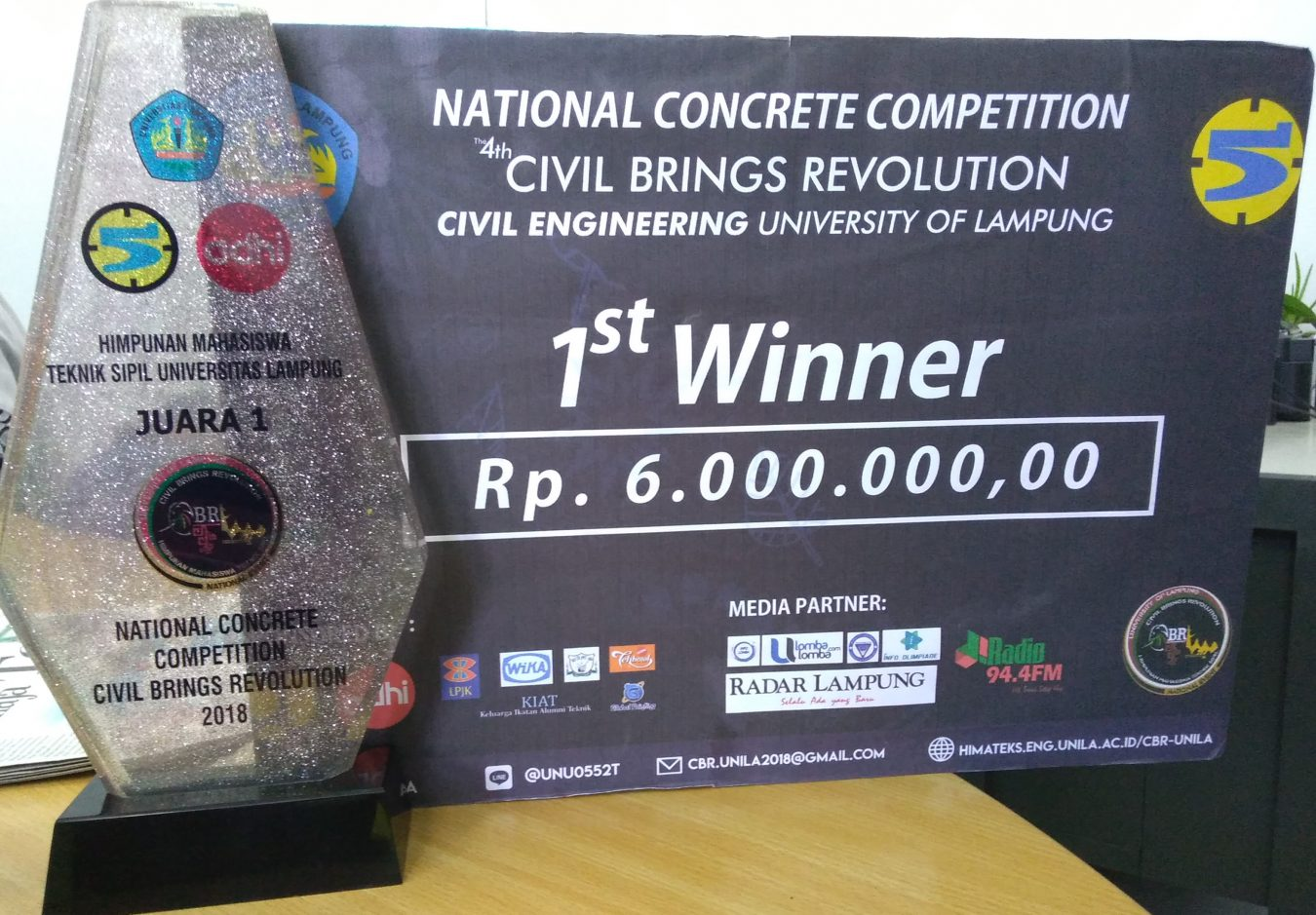 Juara 1 National Concrete Competition Civil Brings Revolution 2018 dengan tema High Compressive Strength Concrete with Waste Materials